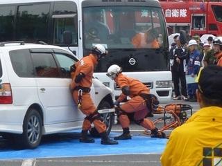 車両からの救助訓練 (2).JPG